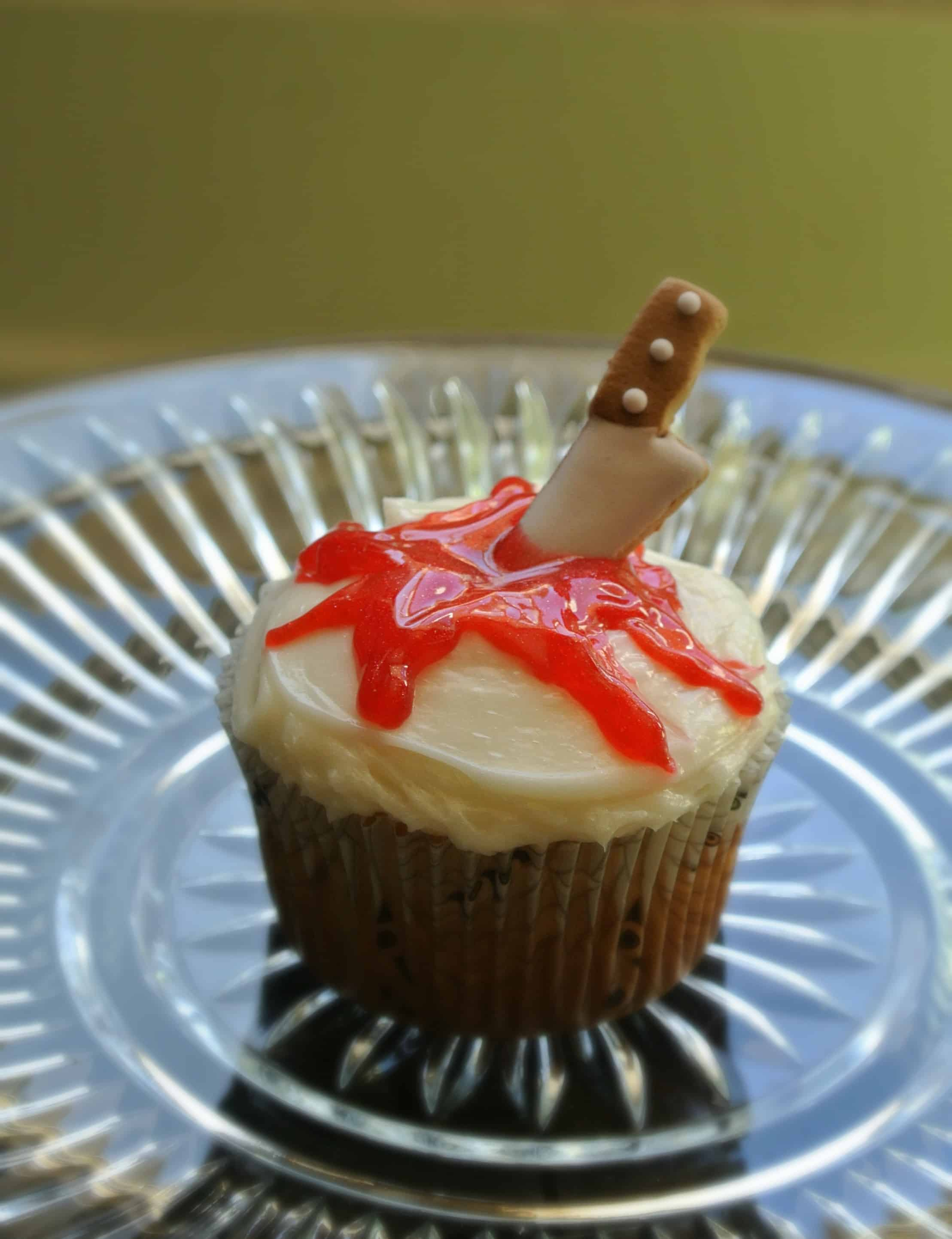 halloween knife cupcake