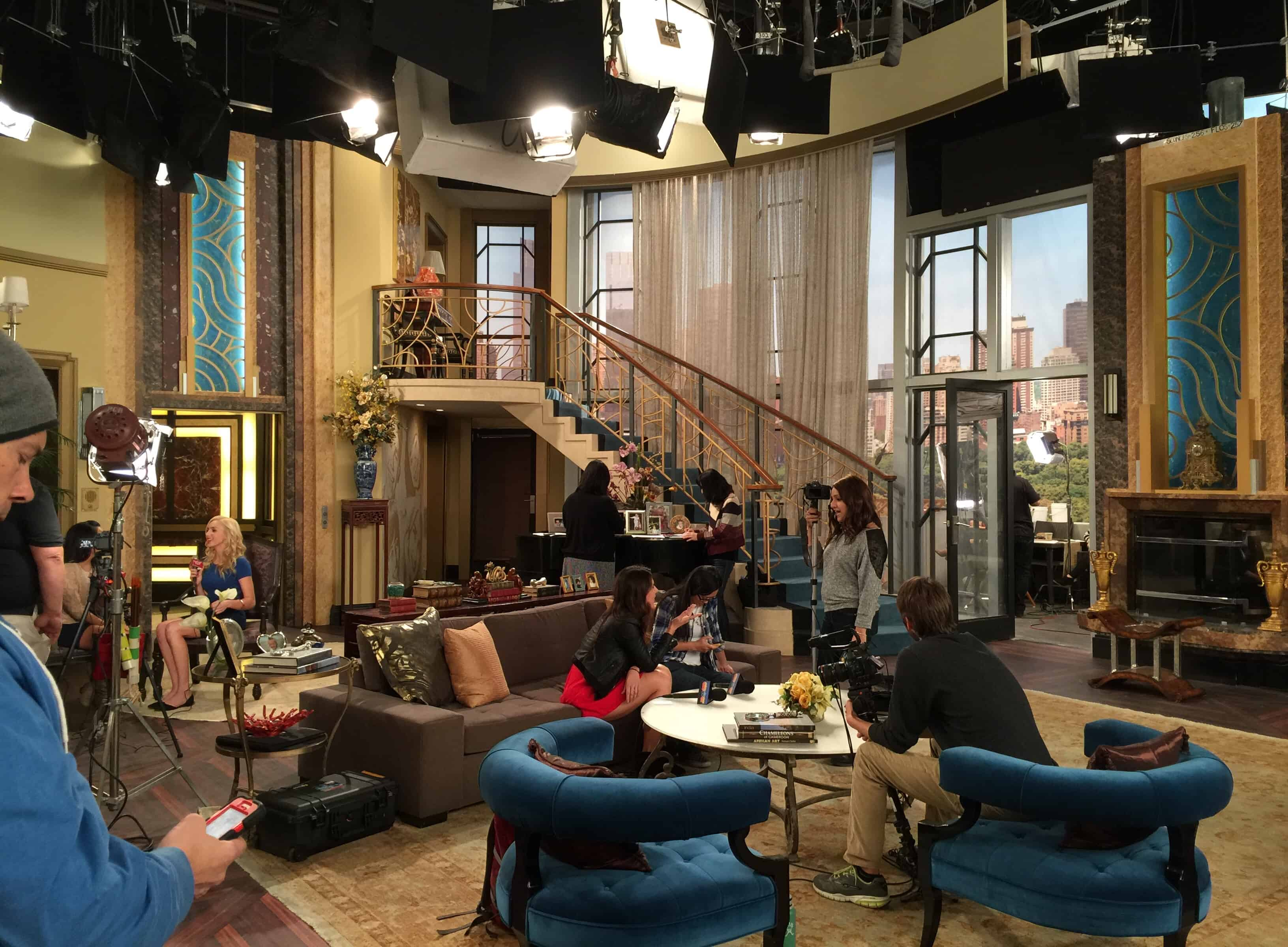 A Visit To The Set Of Disney Channel S Jessie Season 4 Premieres Friday January 9th Half Crazy Mama
